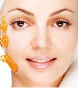 ¿Cómo mejorar el aspecto de nuestro rostro sin gastarnos dinero? Miel y limón mascarilla para granos perfecta