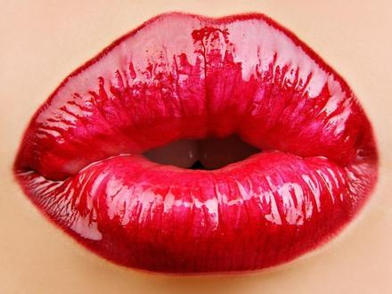 Los labios rojos recuperan su poder