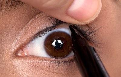 Tightlining, el maquillaje de ojos efecto cara lavada