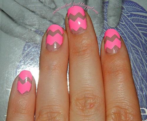 Diseño original para las uñas con esmalte adhesivo