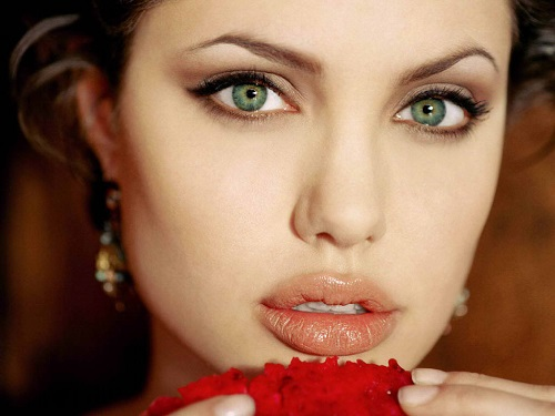 7 Pasos para conseguir unos labios carnosos, voluminosos y de larga duración